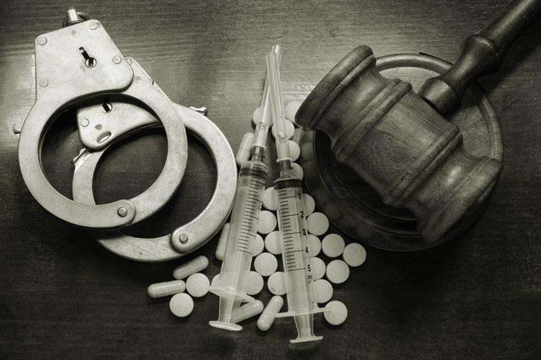 Uyuşturucu imalatı ve ticareti suçu